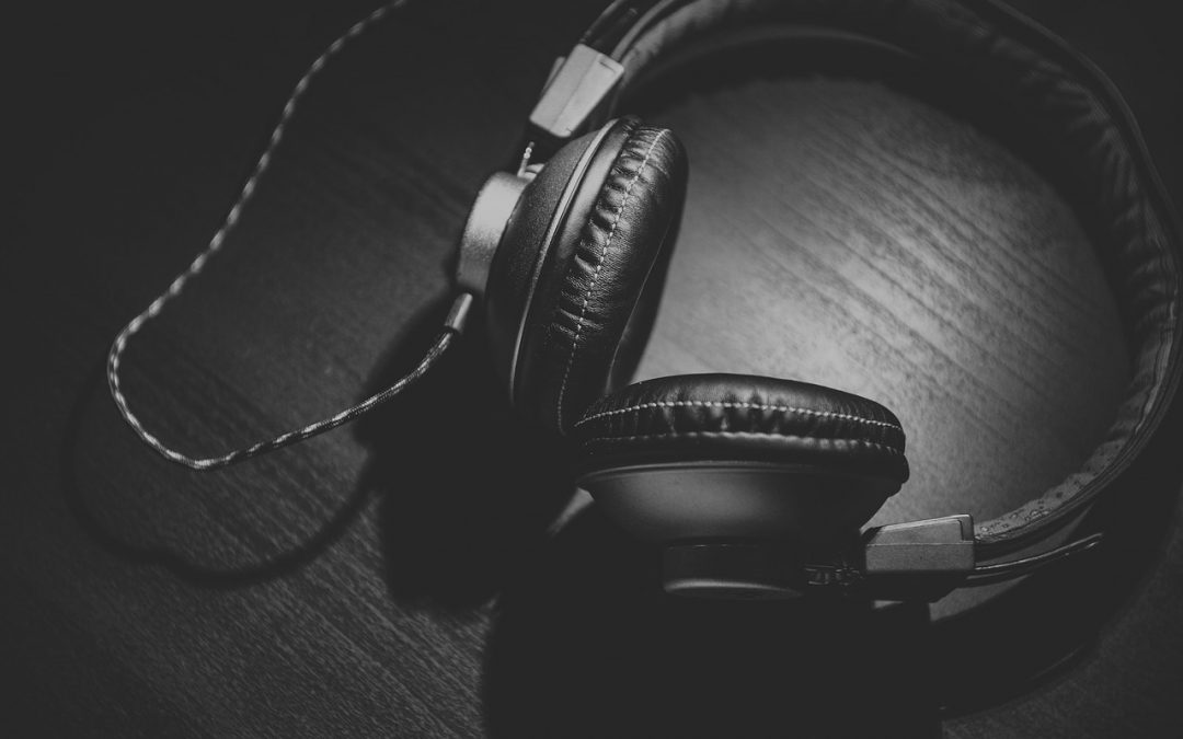 Best Cheap Headphones: Top 10 Picks For The Audiophile On A Budget
